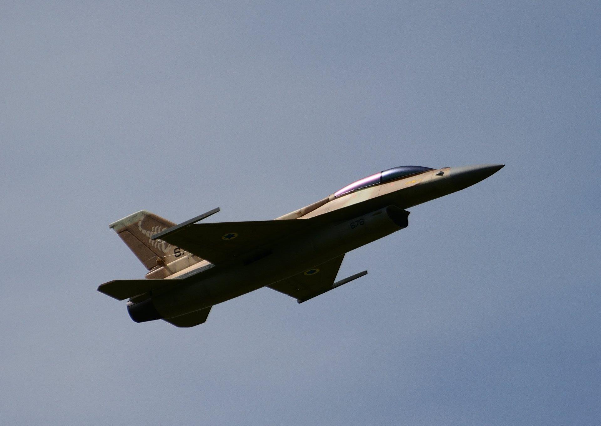 F-16D_003.jpg