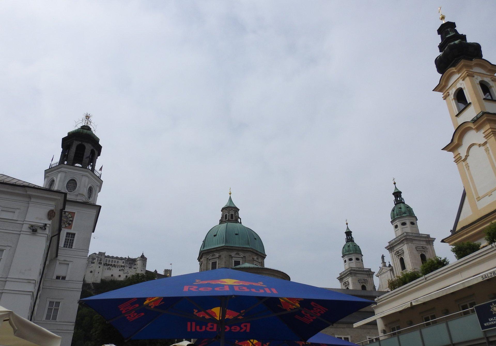 Salzburg im Zeichen von RB.jpg