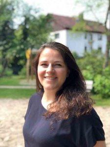 Julia Ernst-Hausmann_kl.jpg