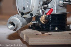 103_Motoreinbau-Vergaseranlenkung.JPG