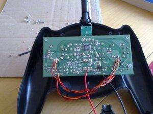 6 - Kabel auf die Platinenunterseite gelötet.jpg
