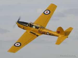256 De Havilland DHC.1 Chipmunk 22 G-BNZC.jpg